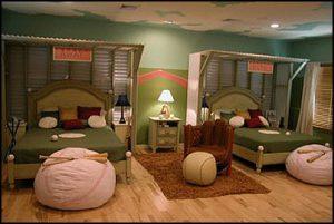 baseball-themed-bedroom-with-big-baseball-pillows