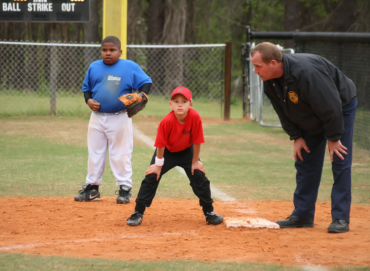 Kids' Baseball: How Hard Should Parents Push?