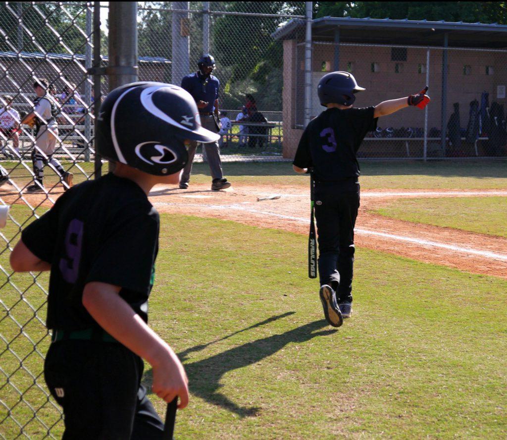 baseball thumbs up