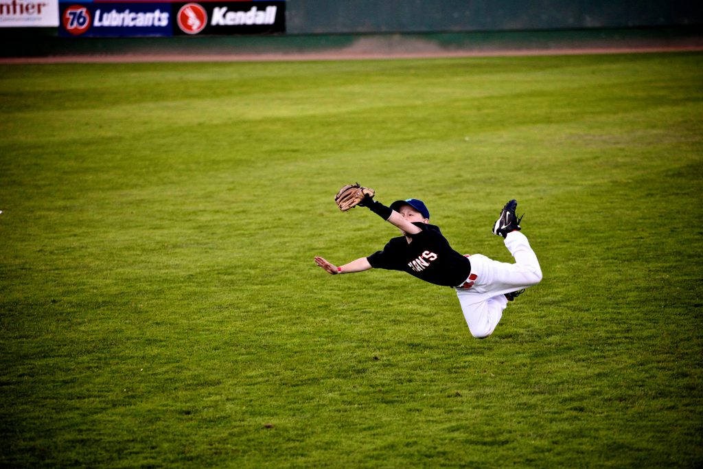 diving outfield catch