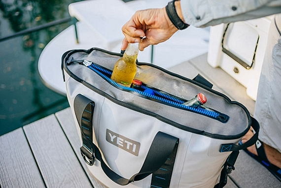 YETI-hopper-bag-cooler-1