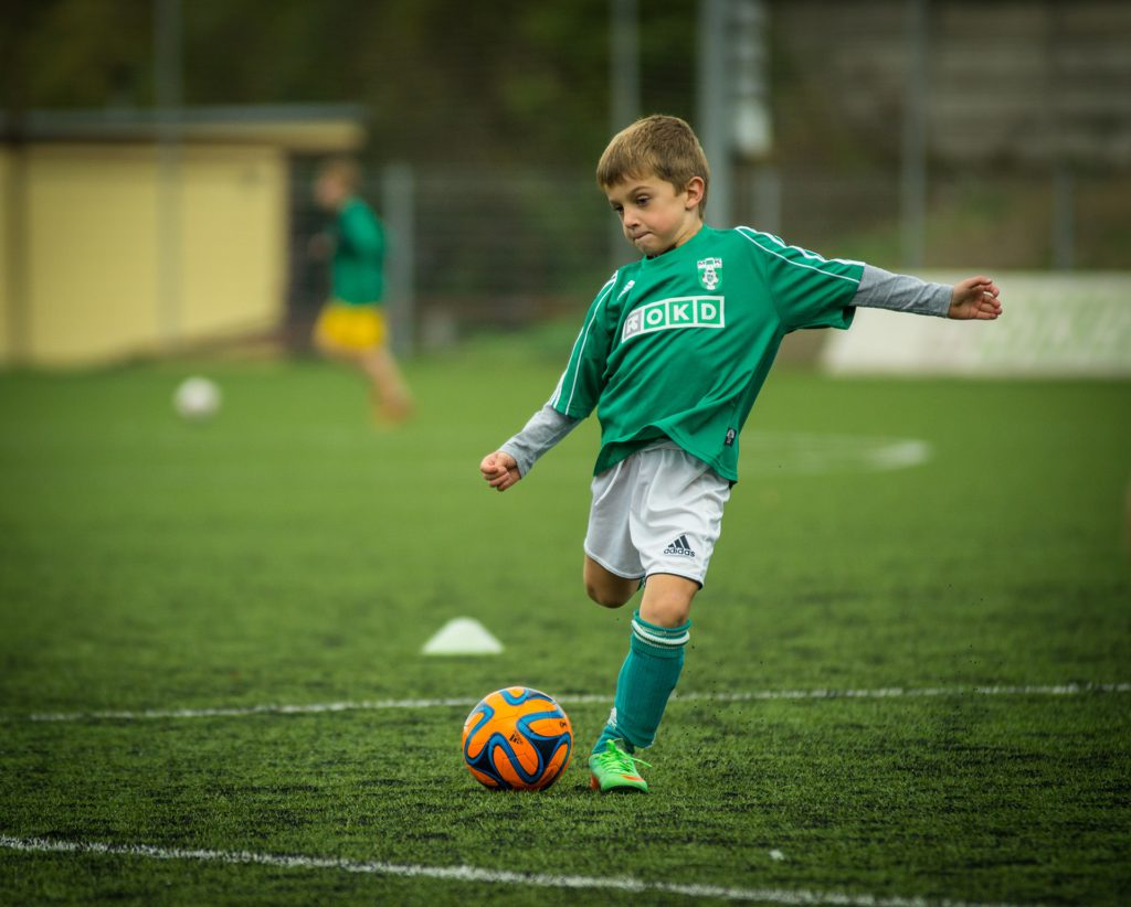 play-green-soccer-child-football-player-757702-pxhere.com